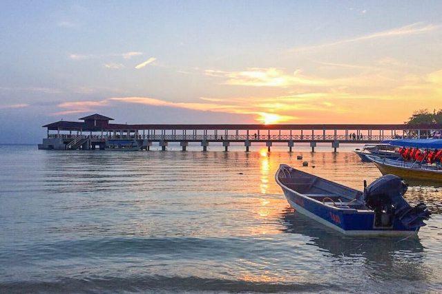 Malaysia Ostküste Tioman Perhentian Islands Coral Bay Sonnenuntergang
