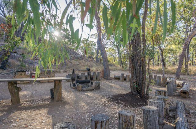 Atherton Tablelands Undara Experience Buschfruehstueck