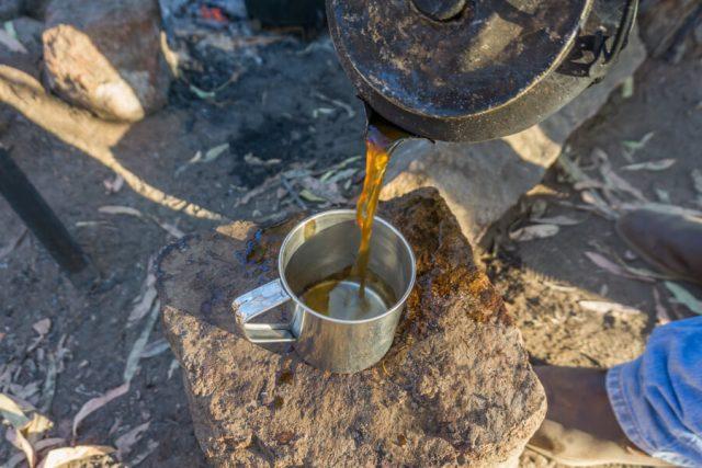 Atherton Tablelands Undara Experience Buschfruehstueck Kaffee