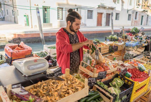 Italien Venedig Urlaub Dorsoduro Obst Boot