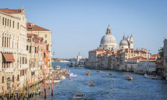 Italien Venedig Urlaub Libreria Acqua Alta