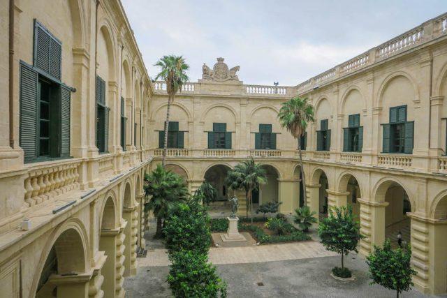 Malta Sehenswuerdigkeiten Malta Urlaub Grossmeister Palast Valetta