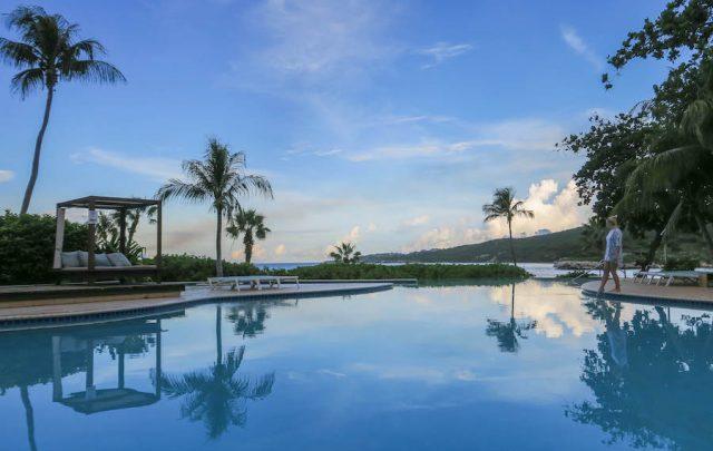 Curacao Urlaub Karibik niederlaendische Antillen Hilton Pool