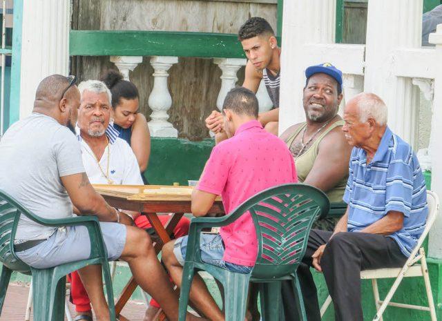 Curacao Urlaub Karibik niederlaendische Antillen Willemstad Skaloo Einheimische