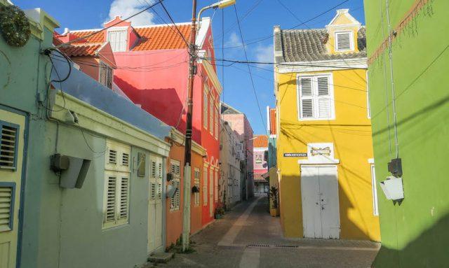 Curacao Urlaub Karibik niederlaendische Antillen Willemstad Otrobanda bunte Haeuser