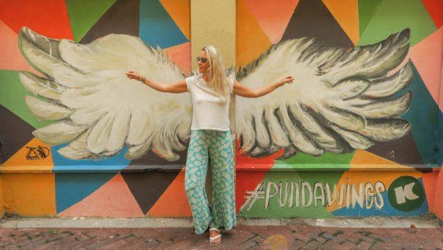 Curacao Urlaub Karibik niederlaendische Antillen Willemstad Streetart Fluegel