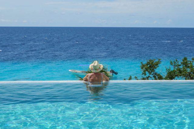 Curacao Urlaub Karibik niederlaendische Antillen Karakter Pool