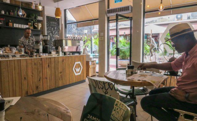 Curacao Urlaub Karibik niederlaendische Antillen Willemstad Wanduhr Cafe