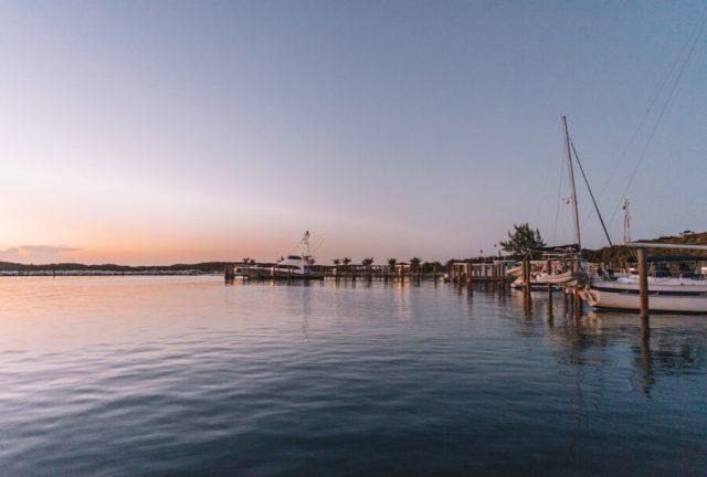 Bahamas Exumas Yacht Charter Highborne Cay Abendlicht