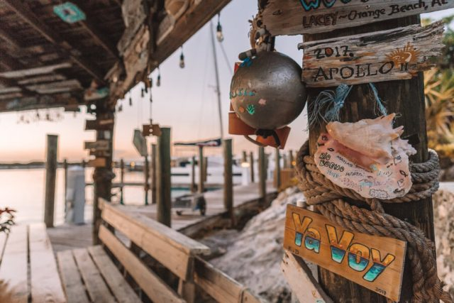 Bahamas Exumas Yacht Charter Highborne Cay Sonnenuntergang