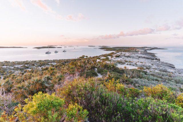 Bahamas Exumas Yacht Charter Warderick Cay Boo Boo Hill Aussicht