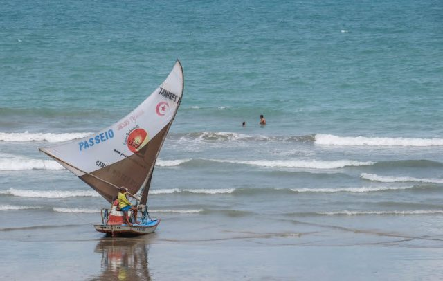 Brasilien Urlaub Ceara Fortaleza Canoa Quebrada Boot