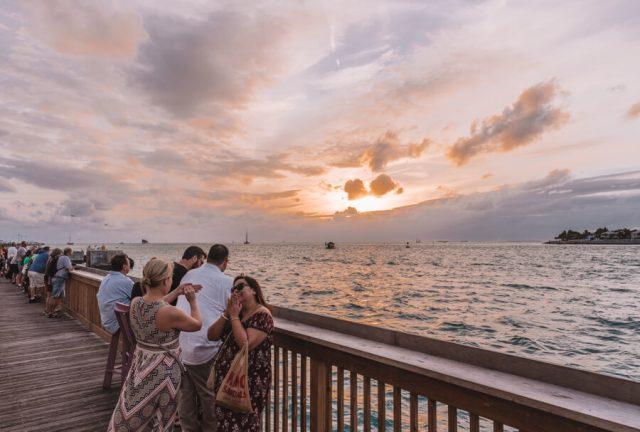 Key West Florida Sehenswuerdigkeiten Mallory Square Sonnenuntergang