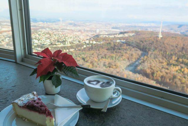 Weihnachtsmarkt Stuttgart Tipps Fernsehturm Café Restaurant