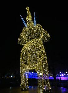 Weihnachtsmarkt Stuttgart Tipps Glanzlichter Lichtinstallationen Elefant