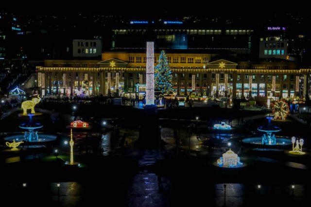 Weihnachtsmarkt Stuttgart Tipps Glanzlichter Neues Schloss