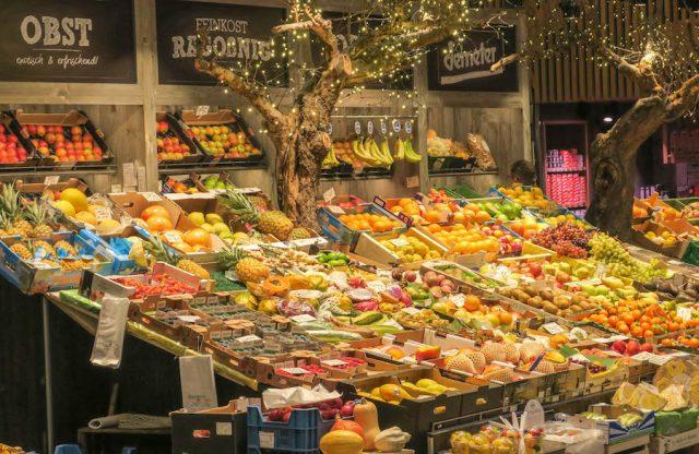 Weihnachtsmarkt Stuttgart Tipps Markthalle Obst