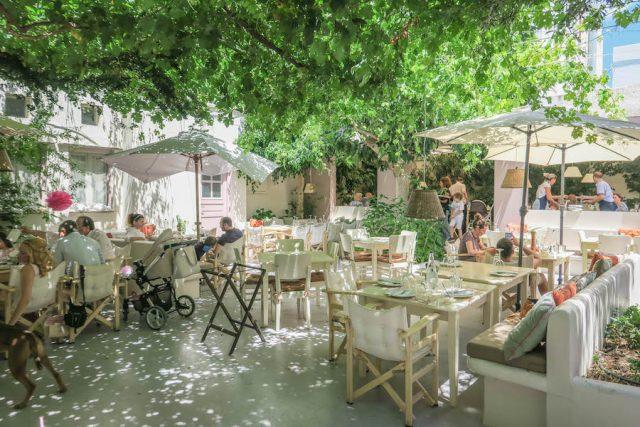 Griechenland Urlaub-griechische Inseln-Tinos Restaurant