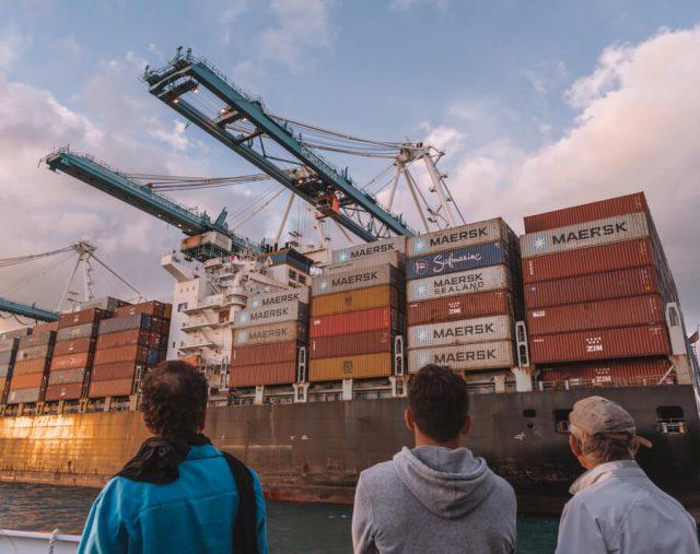 Miami Beach Sehenswuerdigkeiten Urlaub Bootstour Biscayne Bay Container Hafen