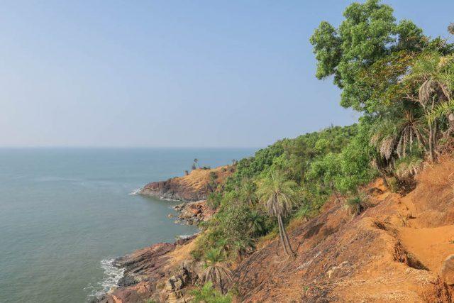 Yoga Urlaub Indien Half Moon Bay Wanderung