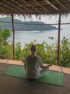 Yoga Urlaub Indien Meditation Hill SwaSwara