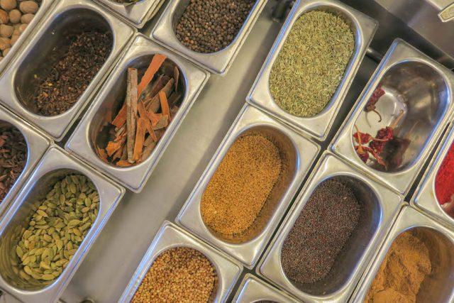 Yoga Urlaub Indien SwaSwara Interaktives Kochen Gewuerze