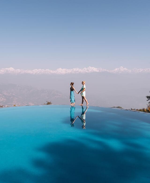 Dhulikhel Dwarikas Resort Nepal Pool Aussicht Berge