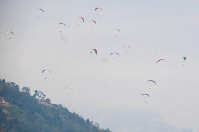 Highlights Nepal Pokhara Fewa See Paragliding