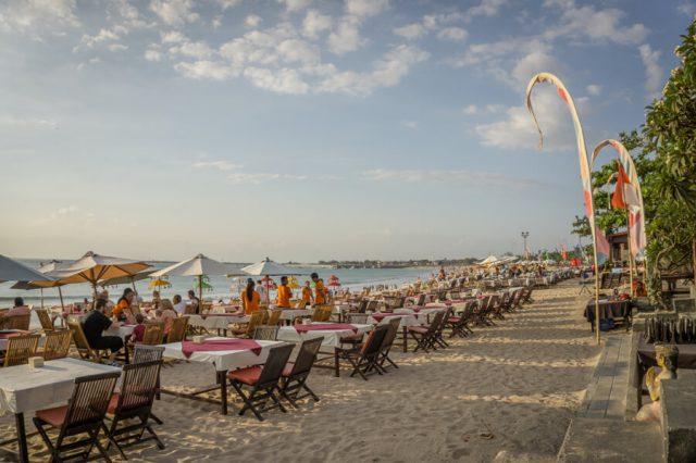 Bali Sehenswuerdigkeiten Jimbaran Beach
