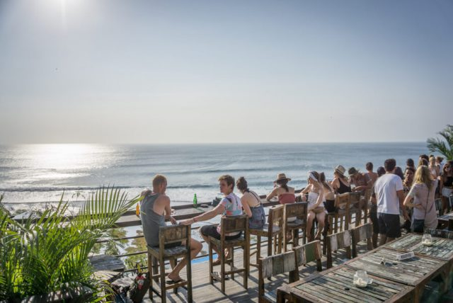 Bali Sehenswuerdigkeiten Uluwatu Single Fin Bar