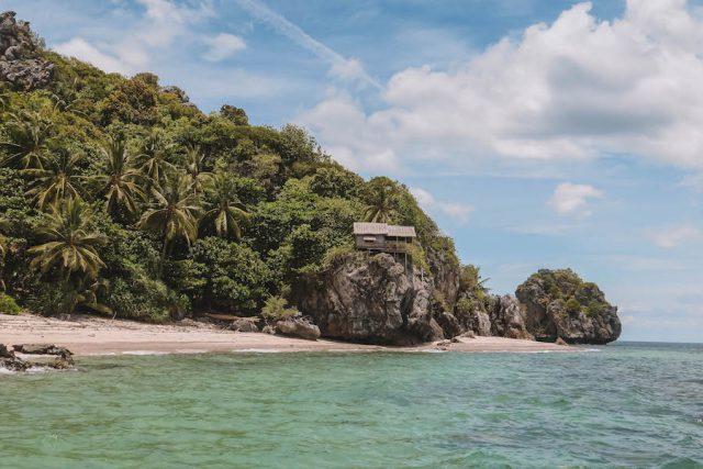 Lung-Ga-Jiw Island