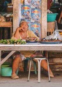 Marktverkaeuferin Chumphon Thailand