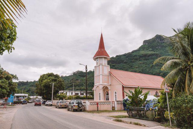 Bora Bora Urlaub Vaitape Village Kirche