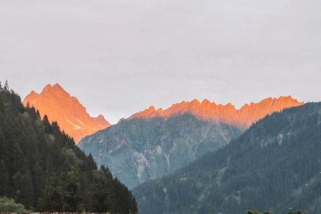 Berggluehen Montafon
