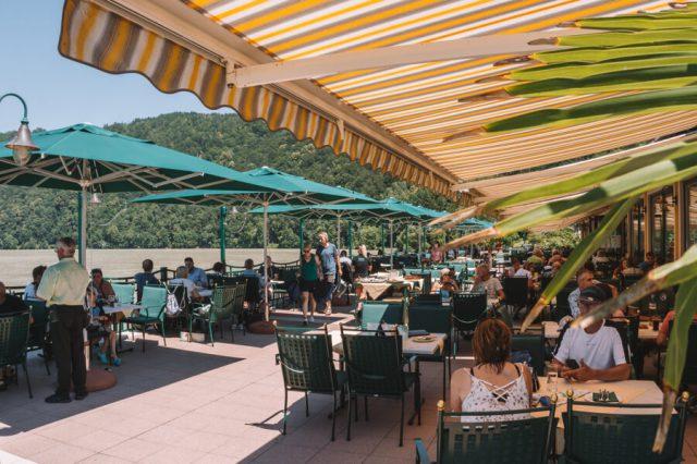 Hotel Donauschlinge Schloegen Terrasse