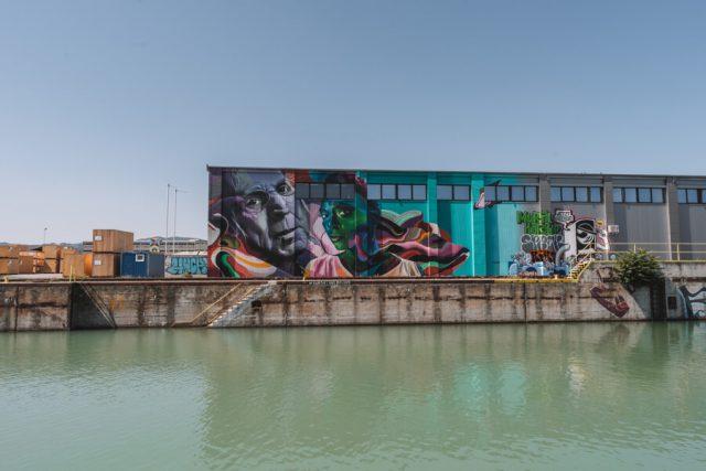 Linz Sehenswuerdigkeiten Mural Harbour