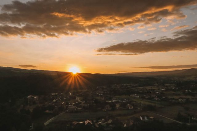 Rumaenien Urlaub Sonnenuntergang Sovata