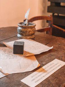 Targu Mures Bibliothek Schreibtisch