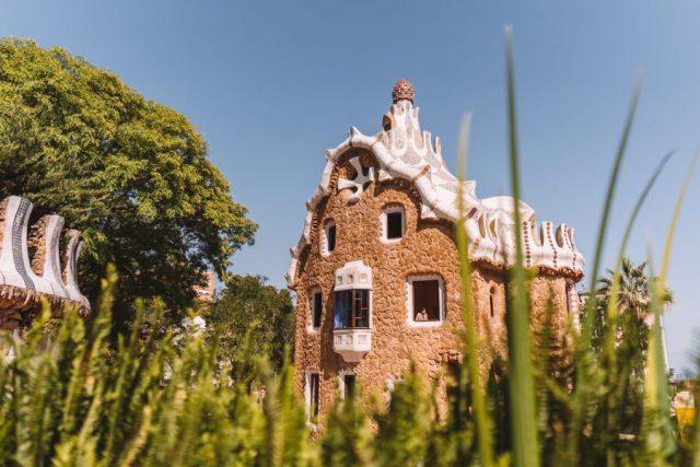 Antoni Gaudi Barcelona-2