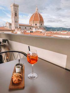 Florenz Sehenswuerdigkeiten Dachterrasse Aperol