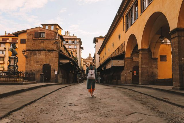 Florenz Sehenswuerdigkeiten Ponte Vecchio Sonnenaufgang