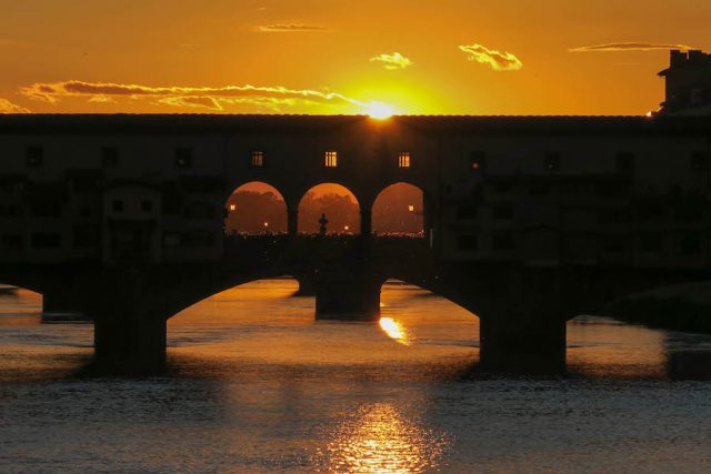 Florenz Sehenswuerdigkeiten Ponte Vecchio Sonnenuntergang