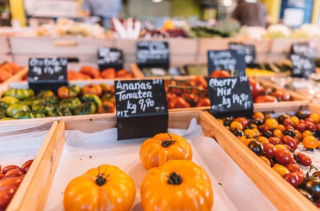 Linz Oesterreich Suedbahnhofmarkt Gemuese