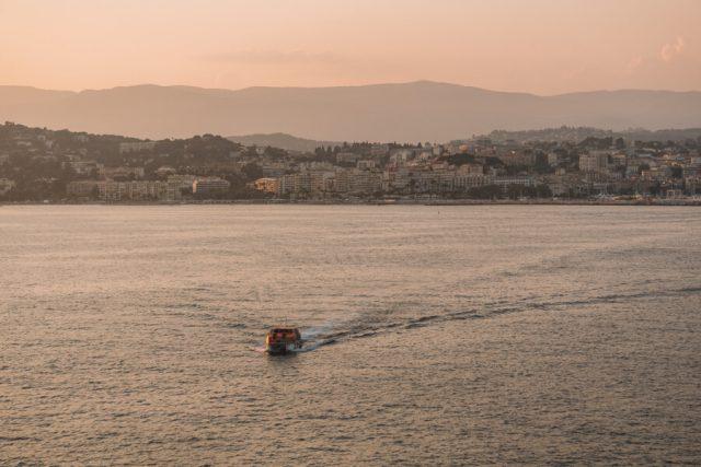 MS Europa 2 Tenderboot Cannes