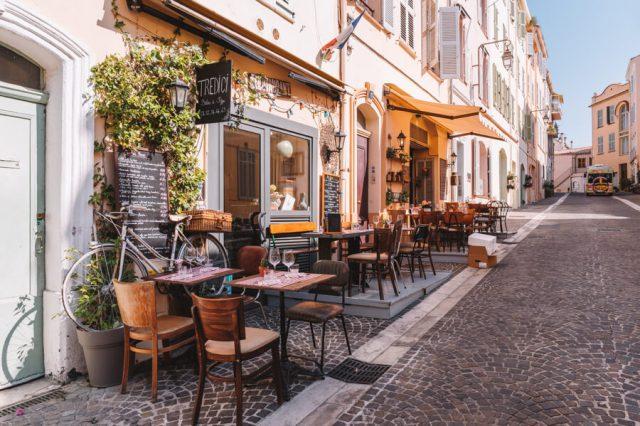 Mittelmeer Kreuzfahrt Cannes Cafes