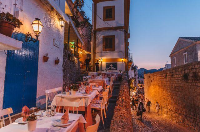Mittelmeer Kreuzfahrt Ibiza Stadt Restaurants