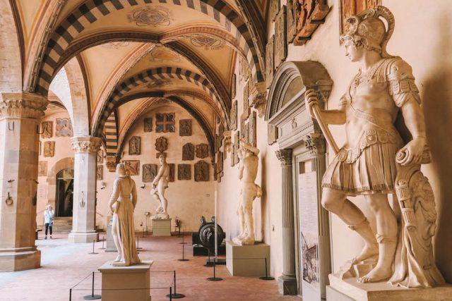 Nationalmuseum Bargello Florenz Sehenswuerdigkeiten Statuen