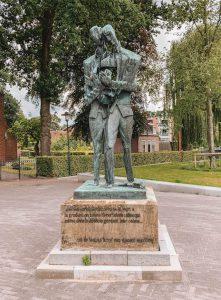 Vincent van Gogh Statue Nordbrabant