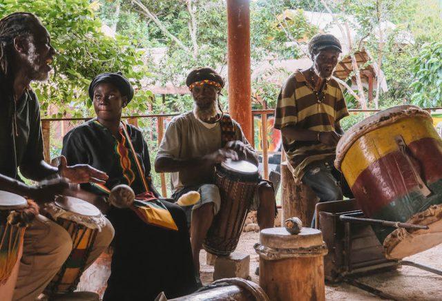 Jamaika Rastafari Indigenous Village Musik