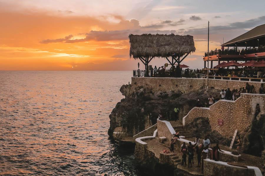 Jamaika Sehenswuerdigkeiten Ricks Cafe Sonnenuntergang